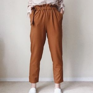 NWT Paper-bag dressing pants w bow in Camel